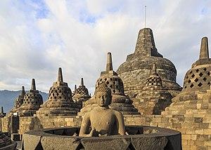 Borobudur & Angkor Wat: Cosmic Temples